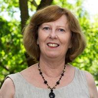 Dr Jenny Doust